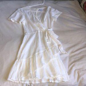 BRAND NEW NEVER WORN PRINCESS POLLY WHITE DRESS